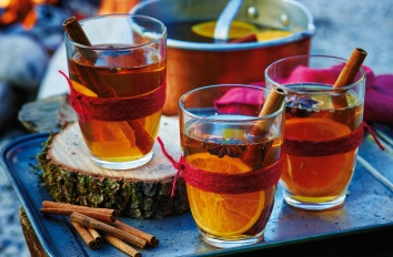 hot-spiced-cider-2-lgh-dde63926-4332-4298-8844-2755bc126ce9-0-1400x919